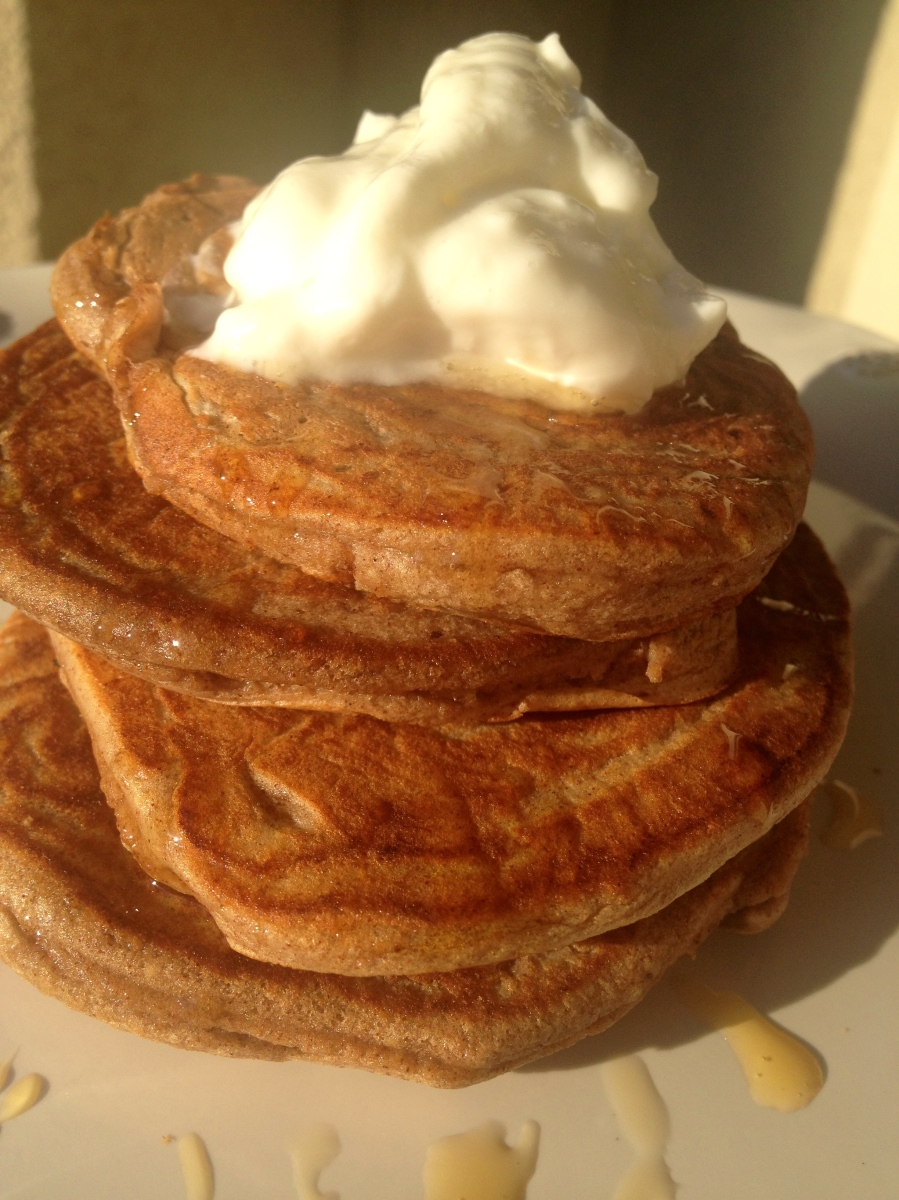 Cinnamon Protein Pancakes :: Low Carb Delight